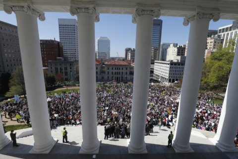 Large crowd gathers at Va. Capitol to oppose abortion