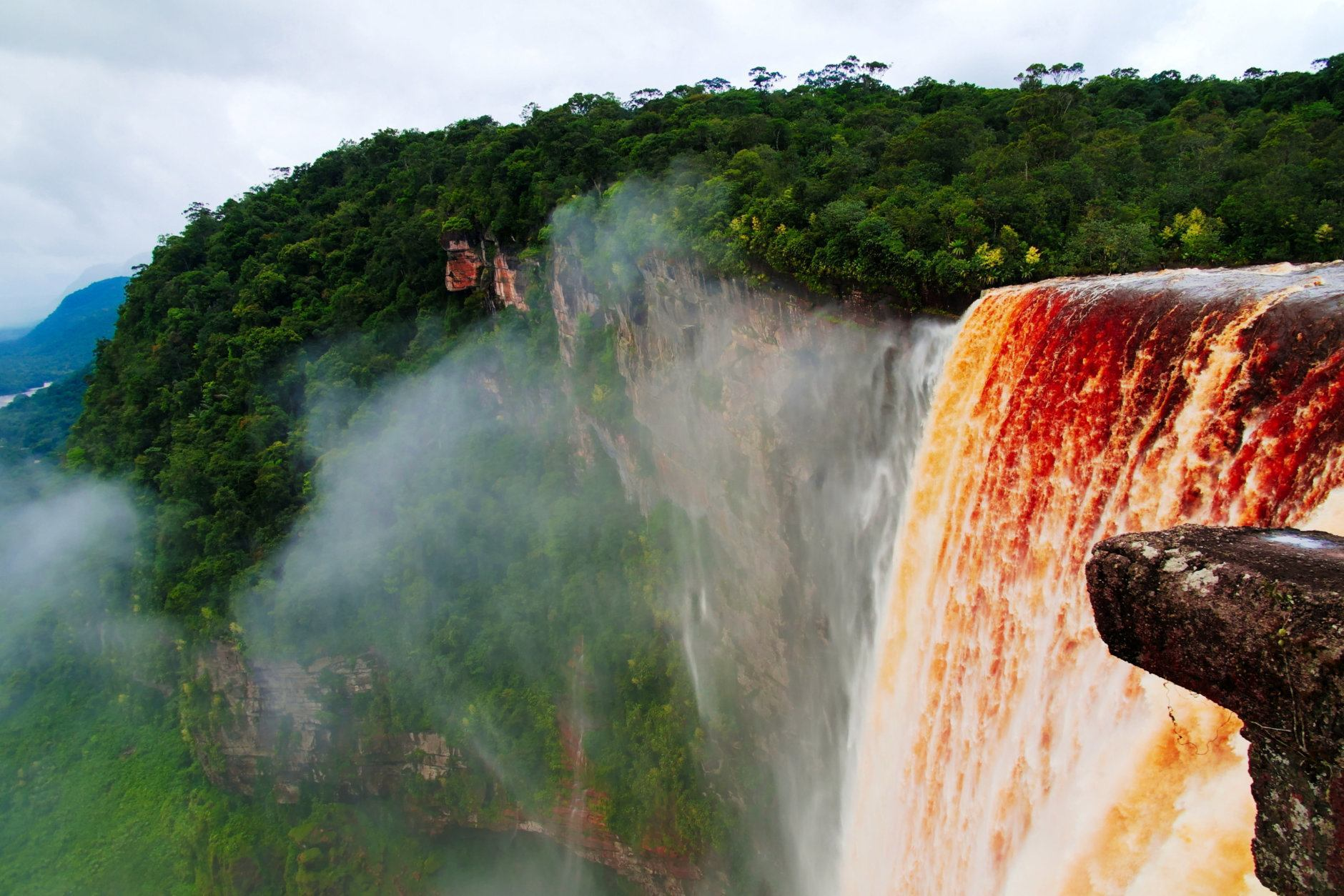 Kaieteur waterfall, one of the tallest falls in the world, potaro river, Guyana