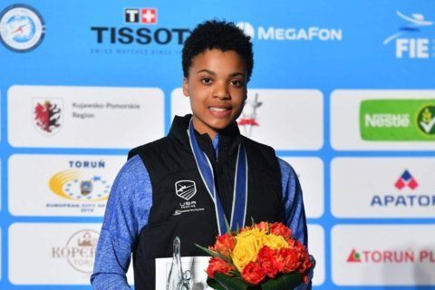With Olympic dreams, 15-year-old Bethesda fencer takes bronze in Poland