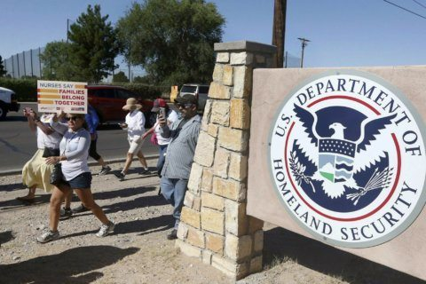 Fed watchdog probes treatment of immigrants in Texas lockup