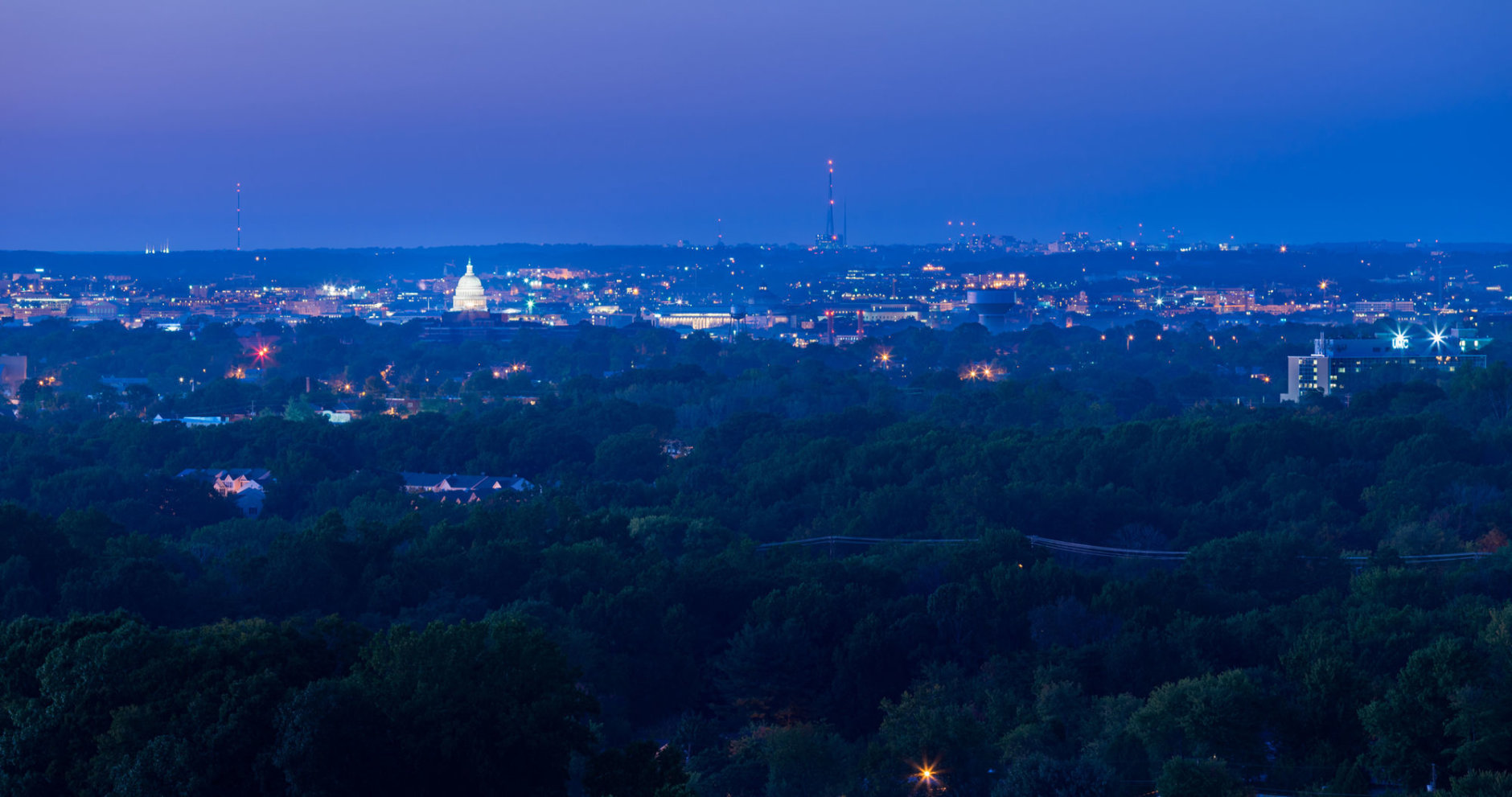 The Oxford offers expansive views of the area from its 10th-floor observation deck. (Courtesy Varsity Investment Group)