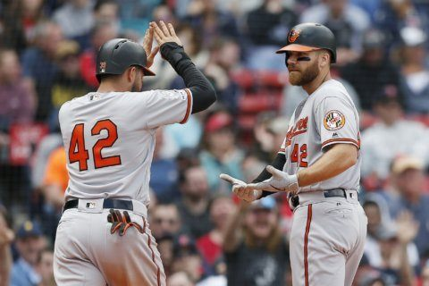 Smith homers, drives in 4 in O's 8-1 win over Red Sox