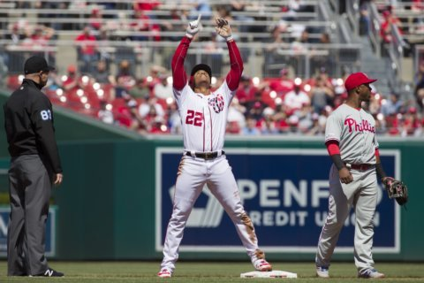 Walkoff walk lifts Nationals over Phillies, 9-8