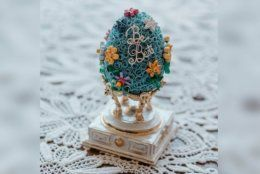 """The Incredible Egg, which provides all 74,000 real eggs for rolling, dyeing and eating, also provides the first lady with a commemorative egg gift of her own, intricately emblazoned with """"Be Best."""" The 2019 Commemorative Egg, the 42nd of its kind, was designed by artist Cecilia Glembocki, the executive director of the Virginia Egg Council."""