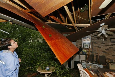 Storms in South kill girl in Florida, bring tornado threat