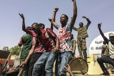 Sudan army removes leader, rejects al-Bashir extradition