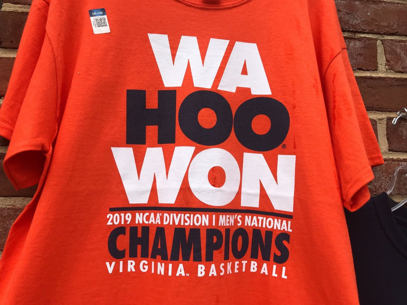A T-shirt marks the historic NCAA national championship game win of the University of Virginia men's basketball team.  (WTOP/Michelle Basch)