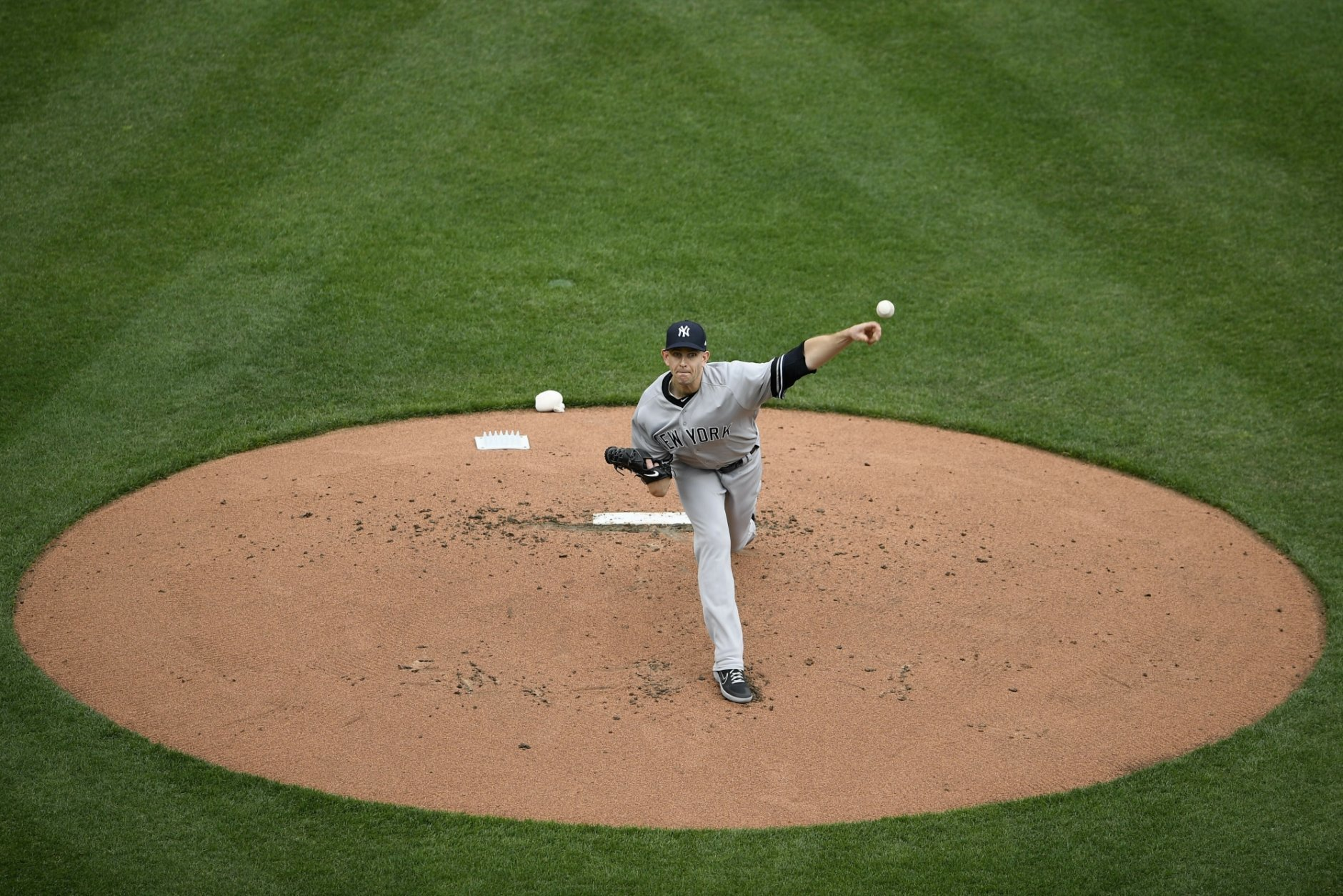 New York Yankees starting pitcher James Paxton delivers a pitch during the first inning of a baseball game against the Baltimore Orioles, Thursday, April 4, 2019, in Baltimore. (AP Photo/Nick Wass)