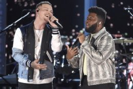Kane Brown, left, and Khalid perform a medley at the 54th annual Academy of Country Music Awards at the MGM Grand Garden Arena on Sunday, April 7, 2019, in Las Vegas. (Photo by Chris Pizzello/Invision/AP)