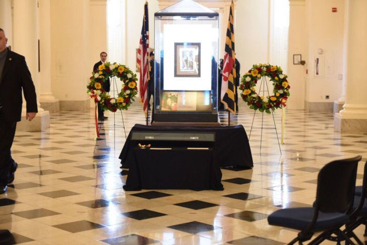 Hundreds pay respects to Maryland House Speaker Michael Busch