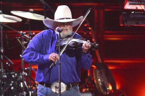 After slaying devil down in Georgia, Charlie Daniels brings golden fiddle to Frederick