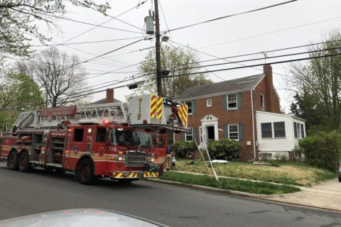 1 hospitalized after Silver Spring house fire