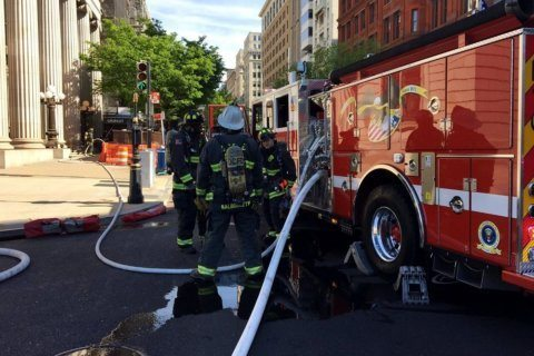 Gas leak shutters buildings near White House
