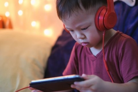 More screen time linked to higher risk of ADHD in preschool-aged children: Study