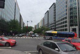 Mayor Muriel Bowser's proposal would establish dedicated bus lanes on K Street. (WTOP/John Domen)