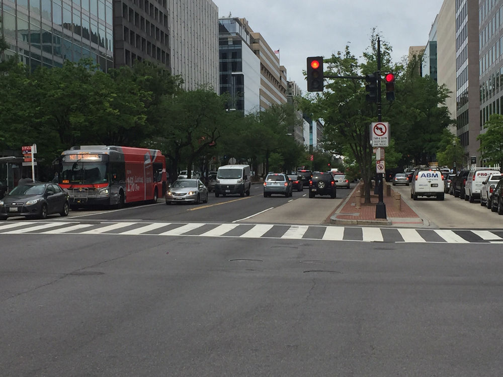 The changes would theoretically allow buses to travel through D.C. faster. (WTOP/John Domen)