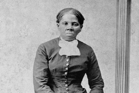 Artist places Harriet Tubman on $20 bills, despite Trump's ambivalence
