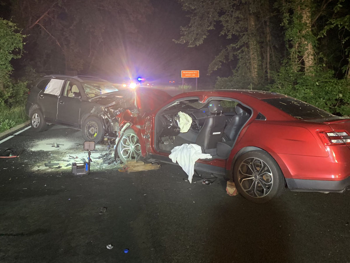 2 injured in Clara Barton Parkway head-on crash | WTOP