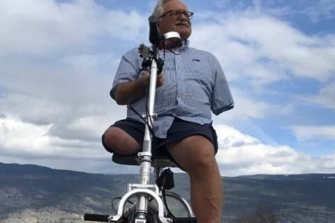Amputee says airport security left him 'crawling' after seizing his scooter's batteries