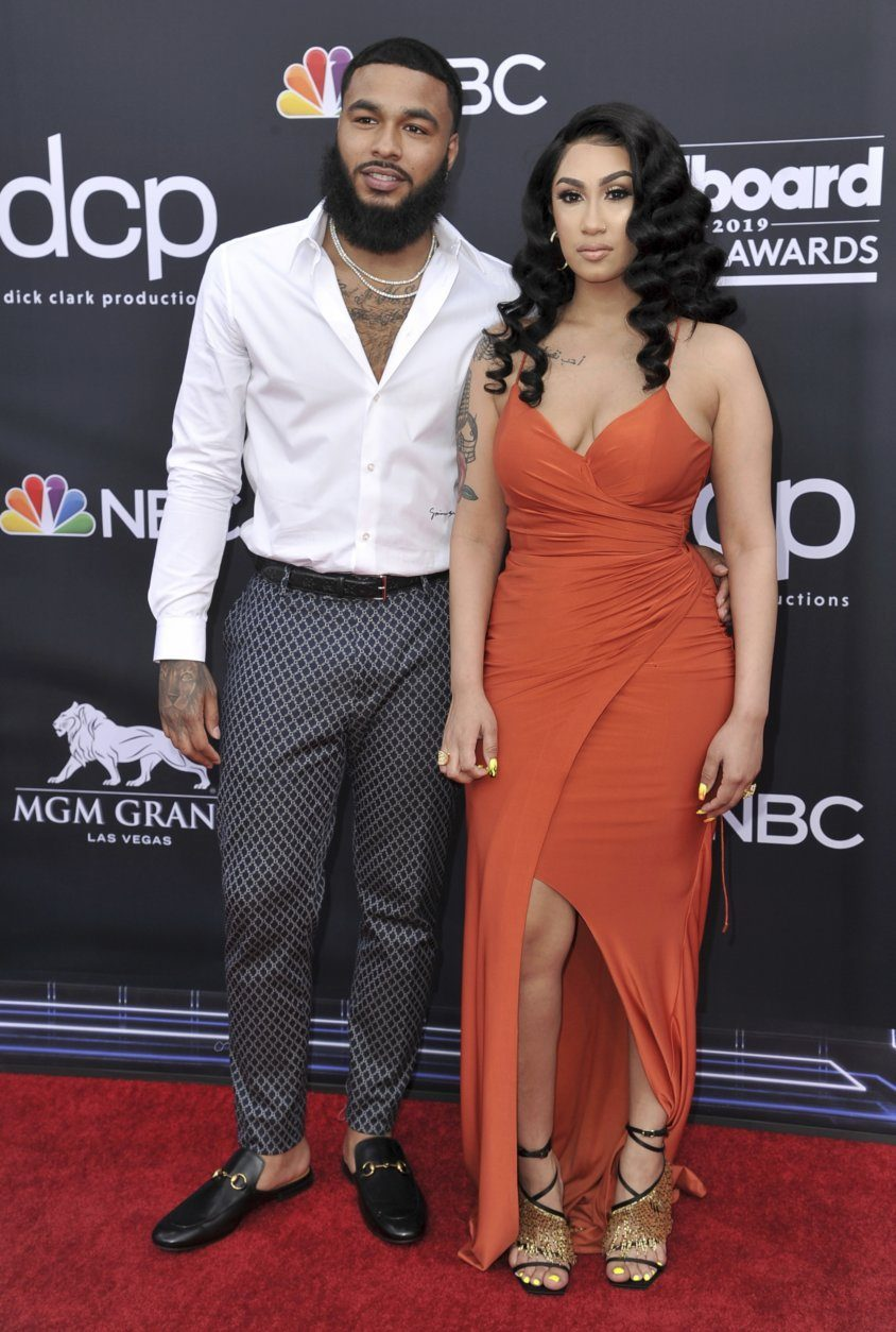 Clarence White, Queen Naija