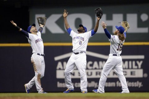 Braun homers to lead Brewers past Mets 3-1
