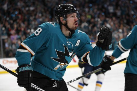 Couture once again steps up for Sharks in postseason