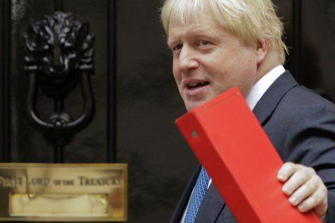 On eve of UK visit, Trump backs Boris Johnson, dings duchess
