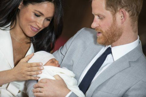 Wool wrap for royal baby suggests tradition will win out