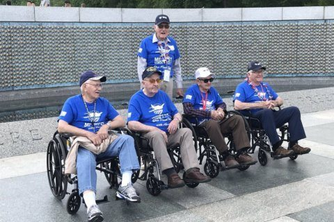 American Airlines sends 700th Honor Flight of veterans to DC