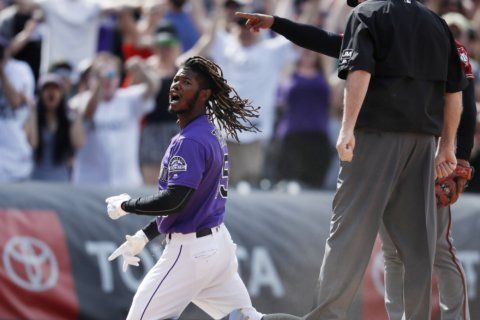 Tapia hits bases-loaded triple to lift Rox over D'backs 8-7