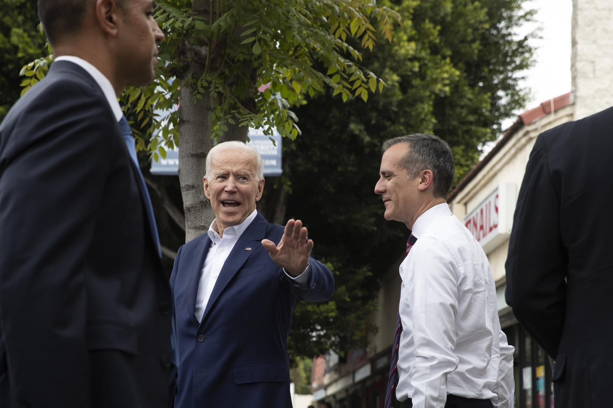 AP Source: Biden Rakes In $750,000 At Hollywood Fundraiser