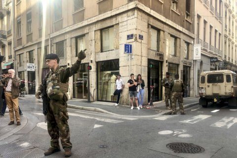 4 suspects arrested after Lyon bomb attack that wounded 13