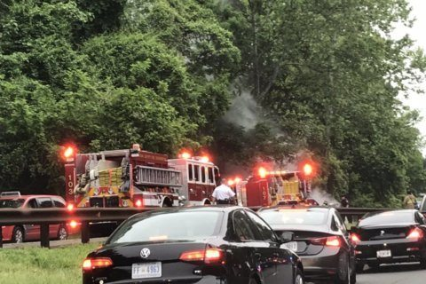 Morning commute delays on George Washington Parkway after vehicle fire