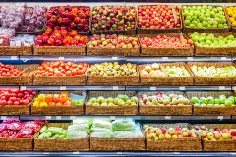 How to shop for healthy food without breaking the bank