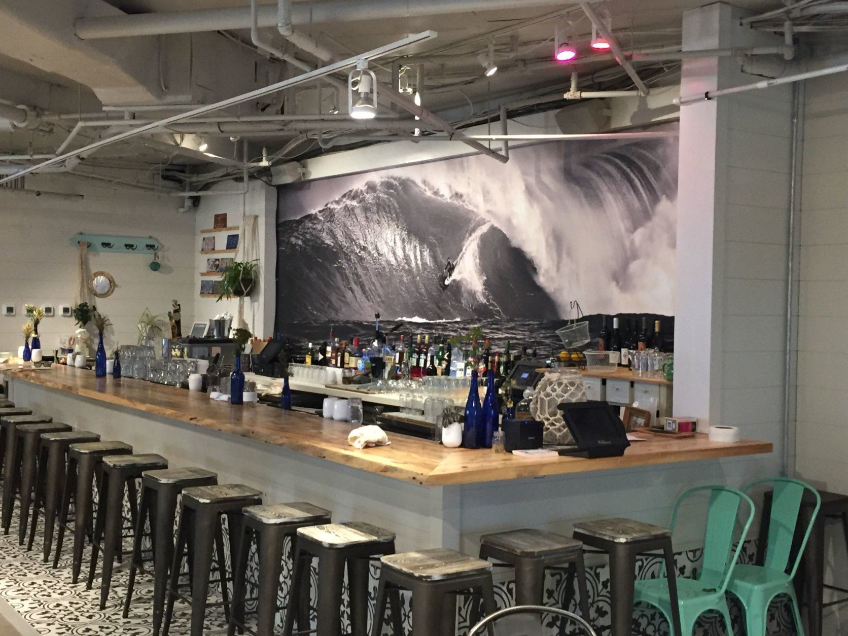A look inside Heideaway, a new restaurant and bar located on the Bethany Boardwalk. (WTOP/John Domen)