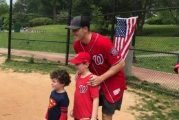 Nationals star left-handed pitcher Patrick Corbin poses with little leaguers. (WTOP/Dick Uliano)