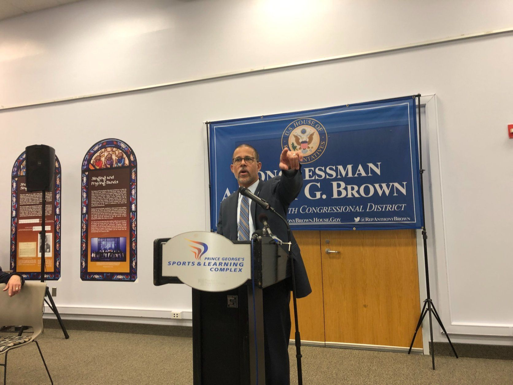 The meeting, held atWayne K. Curry Sports and Learning Center in Landover, was hosted by Congressman Anthony Brown a Democrat from Prince George's County. (WTOP/Mike Murillo)