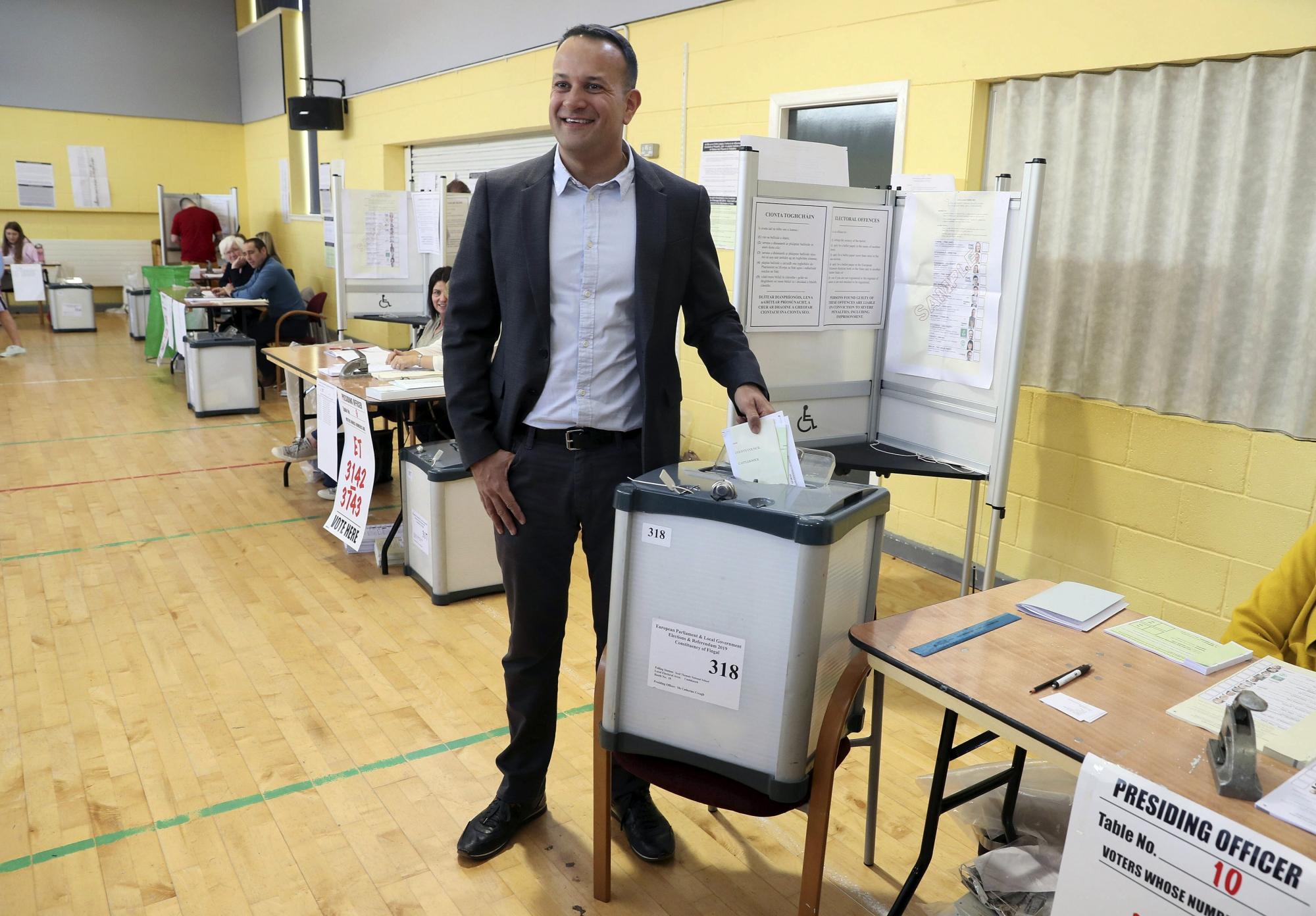 The Latest: Polls Open In Czech Republic, Centrists Seek