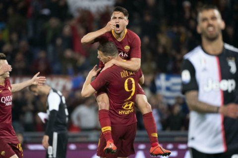 Roma beats champion Juventus 2-0 in bid for top 4 spot