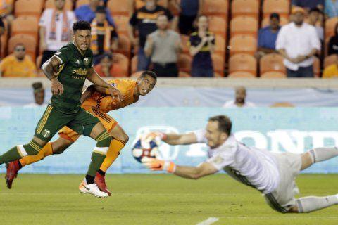 Brian Fernández scores, Portland, Houston tie 1-1