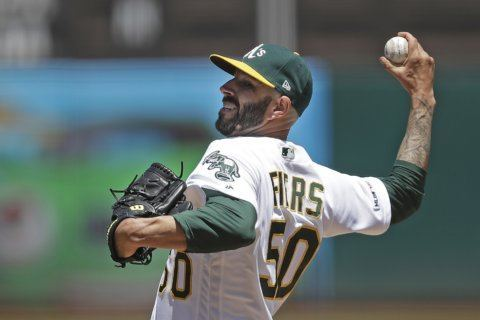Fiers, streaking A's send Mariners to 5th straight loss, 6-5