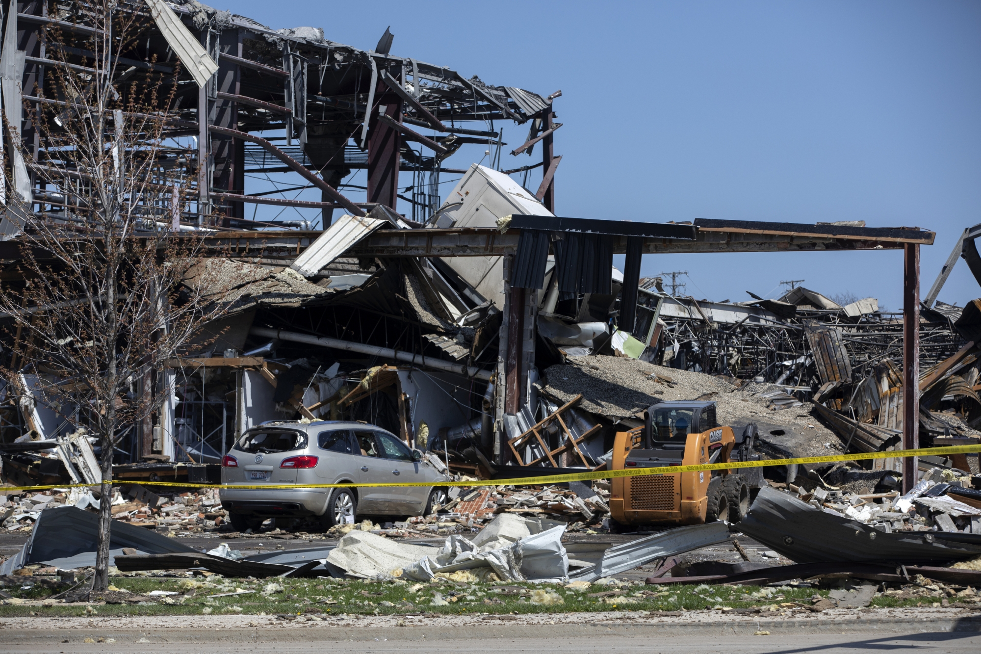 The Latest: 2nd Person Dies From Explosion At Illinois