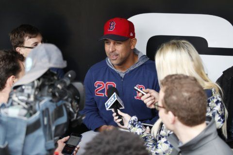 Red Sox manager Alex Cora won't visit White House