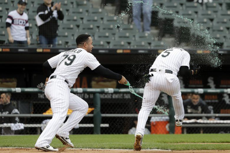 6782ffc098d Chicago White Sox s Jose Abreu