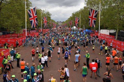 Guinness World Records backs down on nurse's London Marathon costume