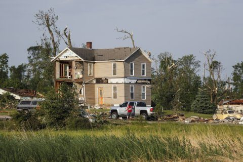Tornadoes hit Kansas, Pennsylvania as storms sweep across US