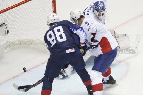 Canada trashes Britain, Swiss beat Latvia at hockey worlds