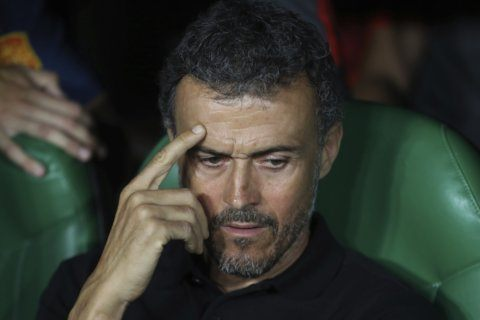 Spain: Coach Luis Enrique staying despite personal problem