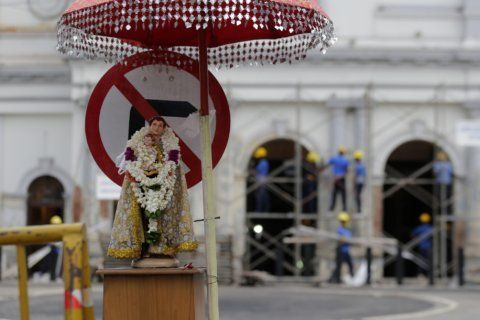 Sri Lanka Catholics celebrate Mass via TV amid new warnings