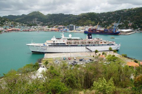 Curacao officials board Scientology ship in measles case